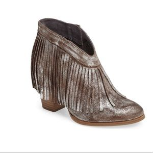 NWOT Ariat Unbridled Layla Fringed Bootie